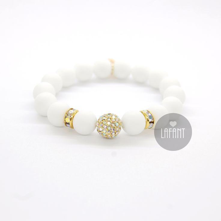#bracelets #wedding #white #classic #style #fashion #details #dodatki #bizuteria #hadmade #shamballa