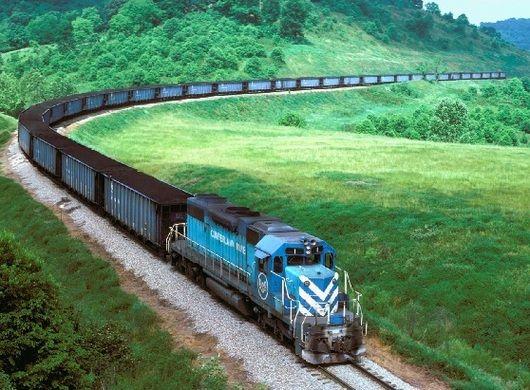 Una mejora en la operación del sistema ferroviario de cargas en Argentina colaboraría en bajar los costos logísticos para los productores del norte argentino, mejorando notablemente el precio que recibe por la venta del grano. En soja, por caso, el a