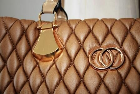 Gold Quilted Handbag – Jewels Hangbag Hut