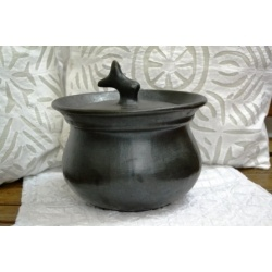 Black Stone Pottery - Cook and Serve Pot