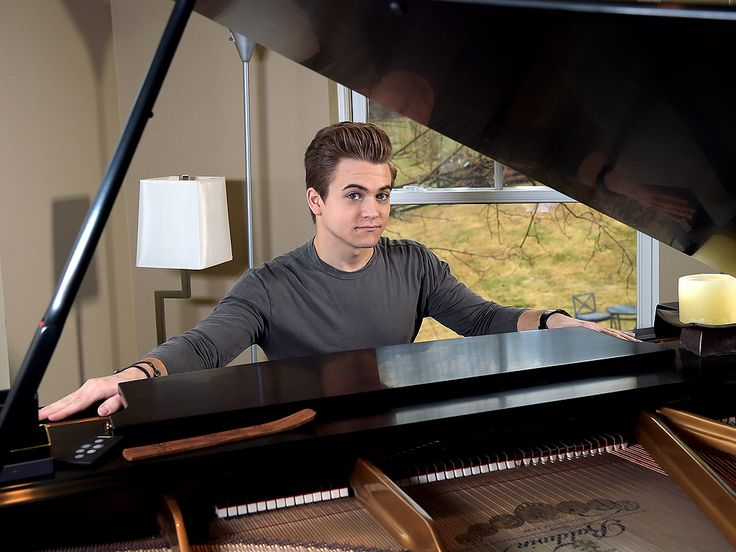 Hunter Hayes Hosts Whirlpool 'You Are My Sunshine' Contest