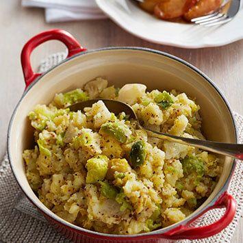 Recept van spruitjesstamppot met entrecote en gebakken appeltjes.