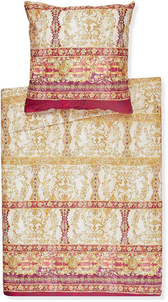 Opulente Bettwäsche »Modica« der Marke Bassetti. Die Granfoulard-Kollektion interpretiert antike Dekors neu und verleiht ihnen mit, für den italienischen Sommer so charakteristischen, strahlenden Farben modische Anmutung. Diese Bettwäsche besticht mit ihrem Muster aus Ornamenten, der hochwertigen Mako-Satin Qualität (100% Baumwolle) und dem praktischen Reißverschluss. Holen Sie sich ein Stück a...