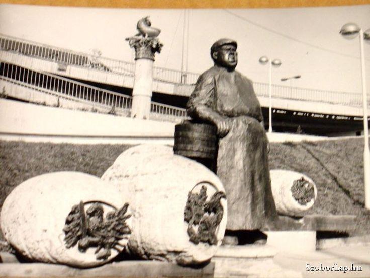 Borárus-szoborkompozíció - Budapest (Varga Imre, 1983) | Köztérkép