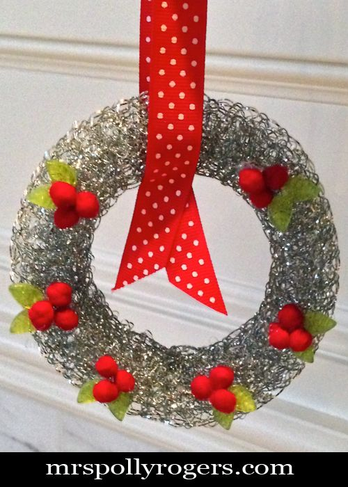 Click here to DIY Dollar Store Steel Pot Scrubby Miniature Wreath.  Takes ONE minute!  Blog Instructions & Photos from MrsPollyRogers.com