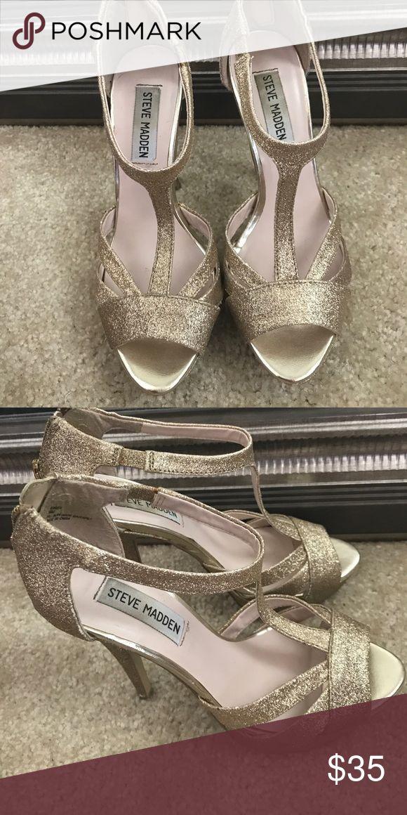 Steve Madden Gold Glitter Heels Steve Madden gold glitter heels. Only worn once. Steve Madden Shoes Heels