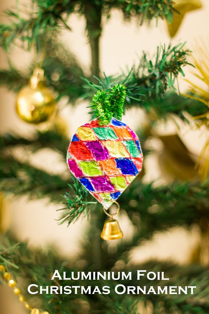 Easy to make christmas crafts for toddlers - Aluminium Foil Christmas Tree Ornaments Using Cardboard Foil Sharpies An Easy And Beautiful Christmas Christmas Crafts For Toddlersaluminium
