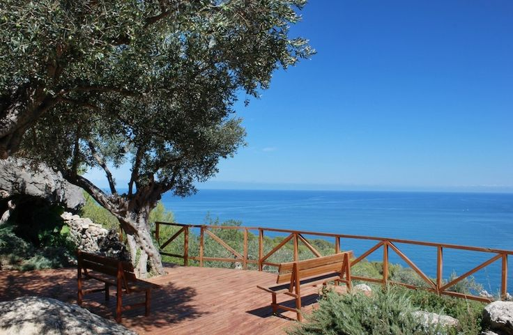 Sitting just 2 km outside Deià, hotel Sa Pedrissa is perfectly situated for you to explore the village. #MallorcanTonic