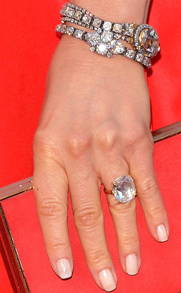 Jennifer Anniston's engagement ring from Justin Theroux.