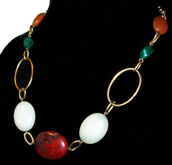 """Red Agate Bead Necklace Green White Quartz Stones Gold Metal Links 16"""" #Vintage offered by brightgems treasures.  Natural stone necklace. It has a large oval red agate marbl... #jewelry #vintage #sterling #artdeco #victorian #etsy ➡️ http://jto.li/yYHqW"""