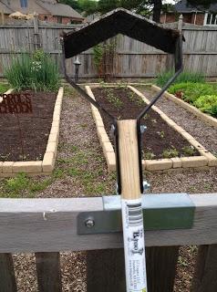 May Dreams Gardens: New Hoe! The Broot Garden Weeder