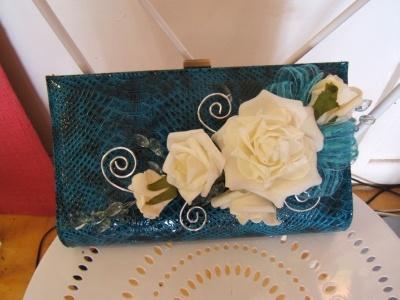 HC02 Handbag corsage