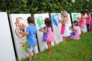 outdoor art party: Paintings Parties, Kids Parties, Cardboard Boxes, Kids Birthday, Art Parties, For Kids, Birthday Parties, Canvas, Parties Ideas
