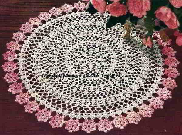 Free+Beginner+centerpiece+Doily+Patterns | Crochet With Flower Pattern | Free Crochet Patterns & Free