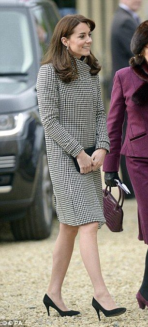 Houndstooth is a classic print, and so it's little surprise that the Duchess of Cambridge'...