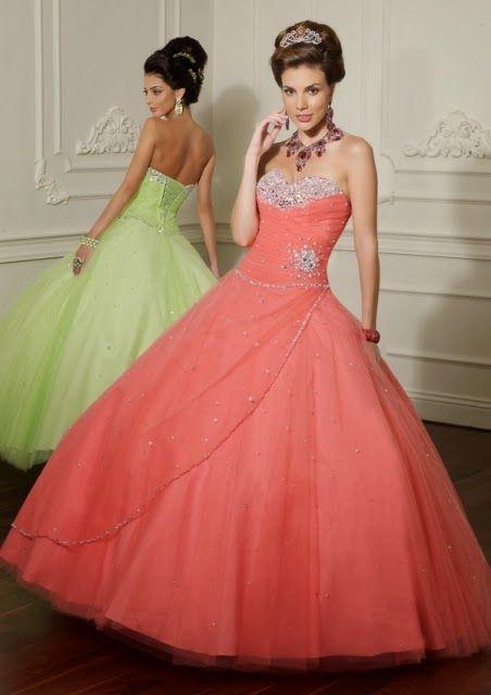 Atractivos y sencillos vestidos de 15 años   Moda 2014