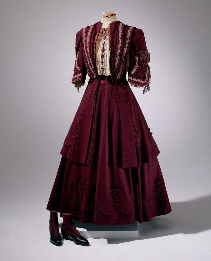 Victorian Dress Porn 5