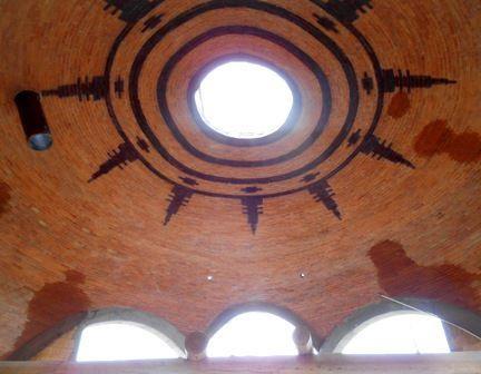 Cupula concluida con diseño del sol muisca abstraído de un uso de hilar