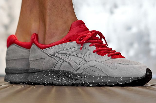 Conceptsare keeping us all on our toes, gearing up to release two colabs this upcoming Saturday. This ASICSGel Lyte V is looking pretty dang fiery for sure, a grey suede base, earthed by a speckled grey midsole, accented by flaming red around the midfoot and ankle collar and finished off with more lace colour options …