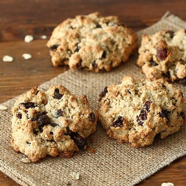 Best Oatmeal Cookies - Recipe | QuakerOats.com    Add walnuts, almond extract.