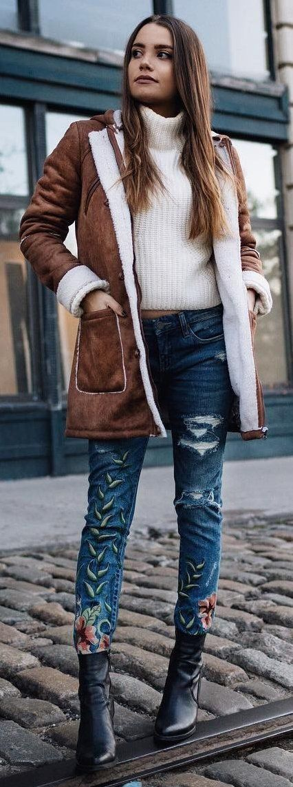 #winter #fashion / Camel Coat + White Turtleneck + Printed Skinny Jeans