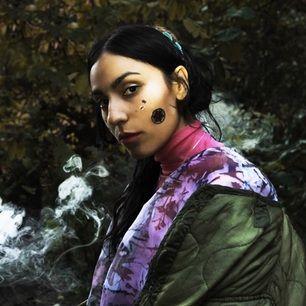 Zhala Zhino Rifat, känd under artistnamnet Zhala är en svensk sångare,musiker och låtskrivare. Hon är bäst!  Kontot sköts av Plick!  Alla pengarna går till RFSL och kampanjen #jagärfri, för asylsökande HBTQ-personer