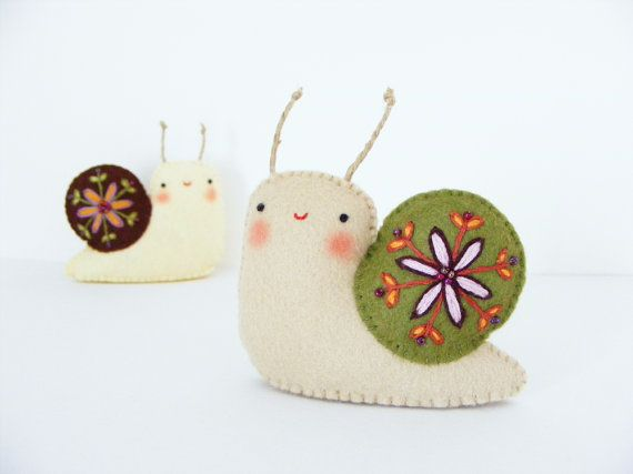 PDF pattern - Felt embroidered snail - Easy sewing pattern, hand sewing DIY…