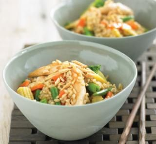 Honey and almond stir-fry | Healthy Food Guide