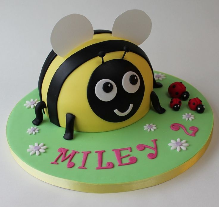 Bumble bee cake                                                                                                                                                                                 More
