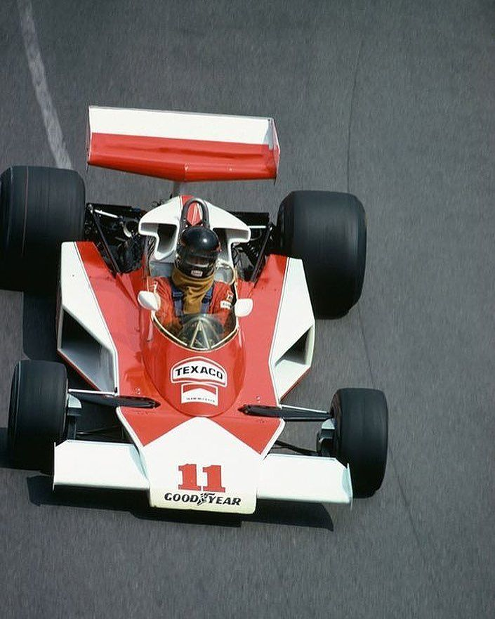 James Hunt Testing Mclaren 1976 No Marlboro Sponsor F1 Formula1 Ferrari Mclaren Vintage Rush Retro Race T In 2020 James Hunt Formula 1 Mclaren Formula 1