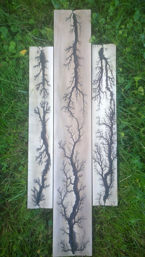 Pattern burned into wood with high voltage electricity