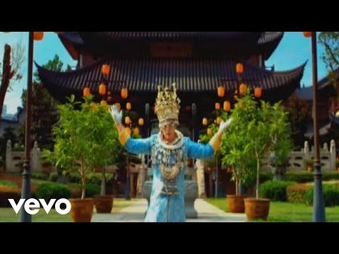 LYRICS IN DESCRIPTION Empire of the Sun - Walking On A Dream How can I explain Talking to myself Will I see again We are always running for the thrill of it ...