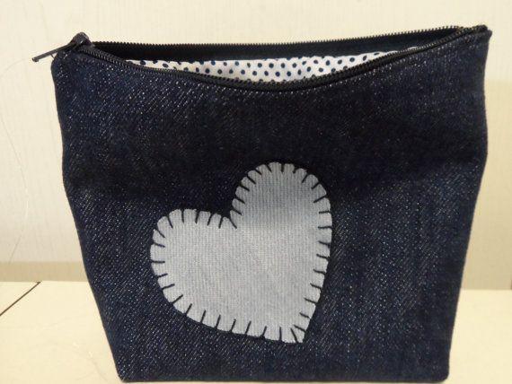 Pochette realizzata in jeans con interno in tessuto di SteffiStore