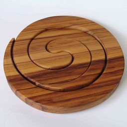 Rimu Wooden Spiral Placemats | Pair of interlocked placemats http://www.newzealandshowcase.com/productdetails.cfm/productid/682