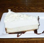 I really miss Red Lobster's vanilla bean cheesecake. It was my favorite thing on the menu. I need to try this recipe and see if it's anything like the one I miss.