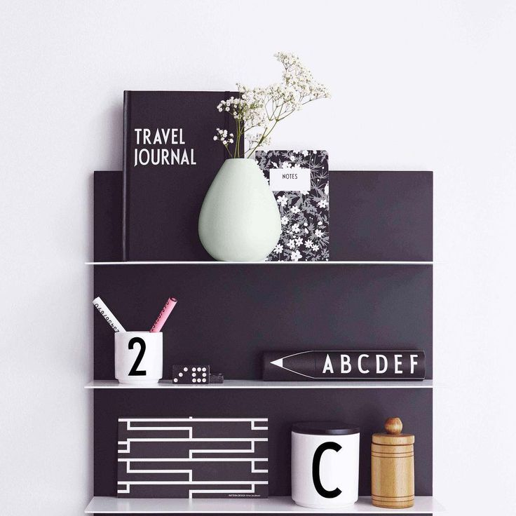 Design Letters + Arne Jacobsen. AJ Royal Vintage. Flowers by Arne Jacobsen.