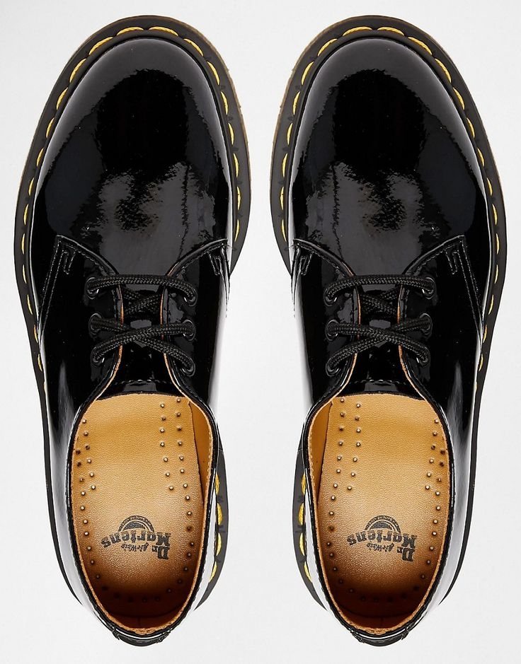 Dr Martens – 1461 – Classic, flat shoes painted in black
