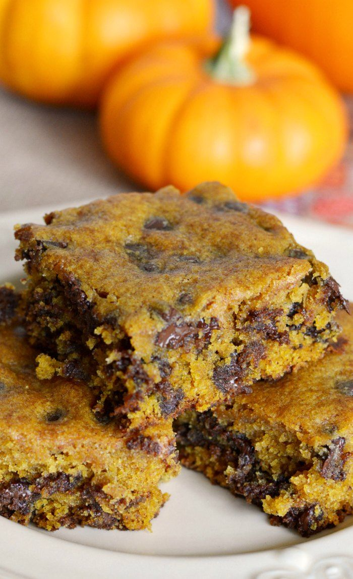 Soft, chewy, and delicious, these pumpkin chocolate chip bars are a delicious fall dessert! Do you like pumpkin? Pumpkin pie is my husband's absolute favorite, but he'll take just abou…