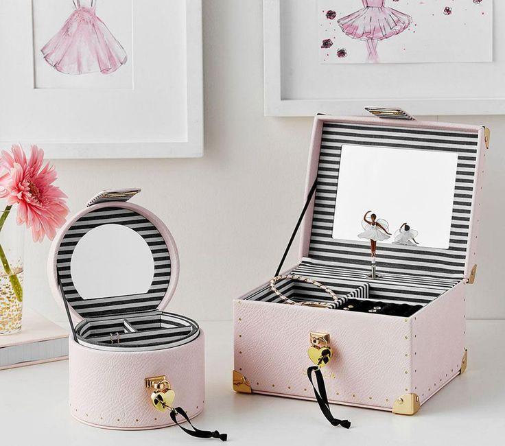 Emily & Meritt Linen Train Case Jewellery Box