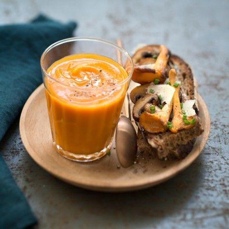 Soupe de potimarron et tartines de champignons au pecorino