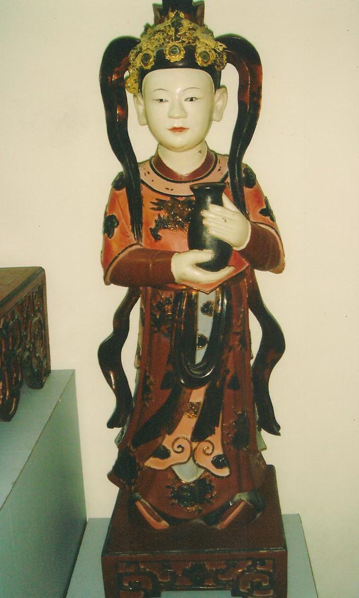 Court servant to Princess/Queen. 17th century figurine.