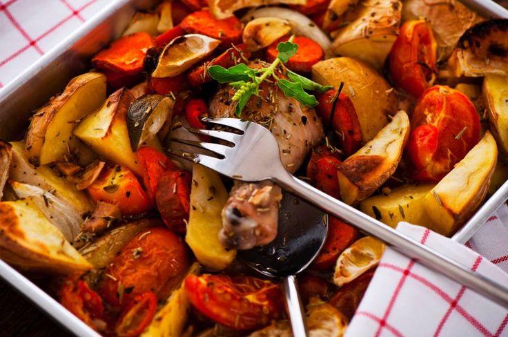 Recept Gebraden Kip Uit De Oven, Met Knoflook En Aardappels | Smulweb.nl