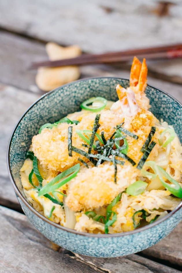 Ebi Katsu Don has a delicious and sweet soy sauce base. You will really love this dish!