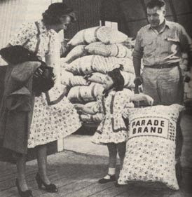 feedsack dresses  I like the notion that once upon a time people thought it nice to make pretty sacks...