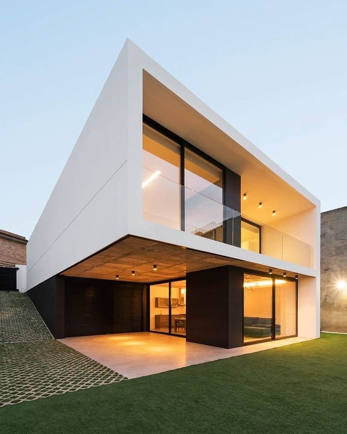 """MODERN ARCHITECTURE on Instagram: """"By: Ruben Muedra  comply with @minimalismoarchit…"""