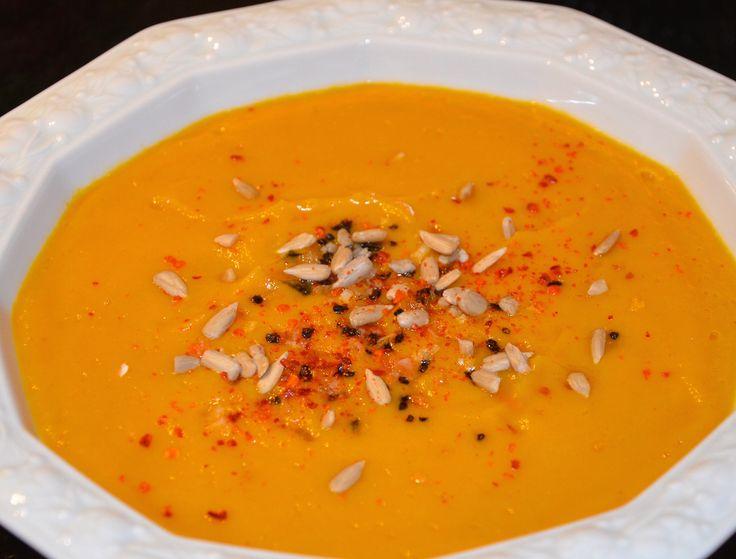Süßkartoffel-Apfel-Karotten Suppe