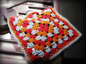 Granny Square washcloth Designed by Christy Lutz/canncrochet