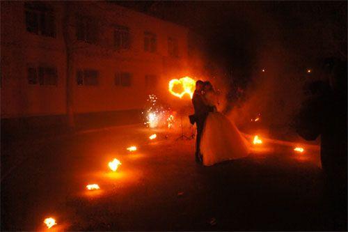 свадебная дорожка на фаершоу театра огненных представлений Kallipso в Анапе