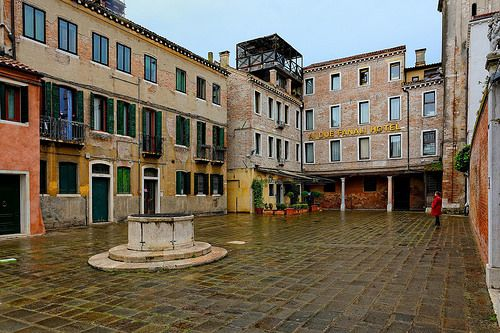 Venice : Campo San Simeon Grande / Albergo Al Due Fanali Hotel 1/3