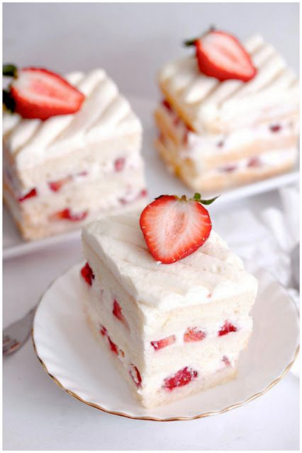 Strawberry Shortcake #cake #baking